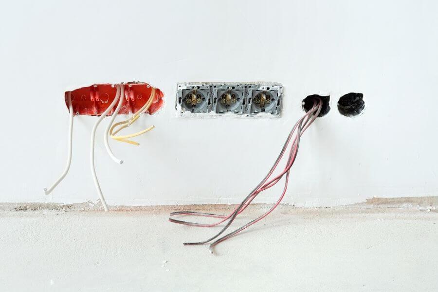 tomas de corriente y antena